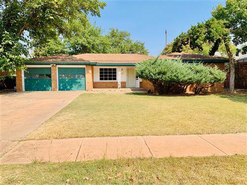 Photo of 2118 70th Street, Lubbock, TX 79412 (MLS # 202009418)