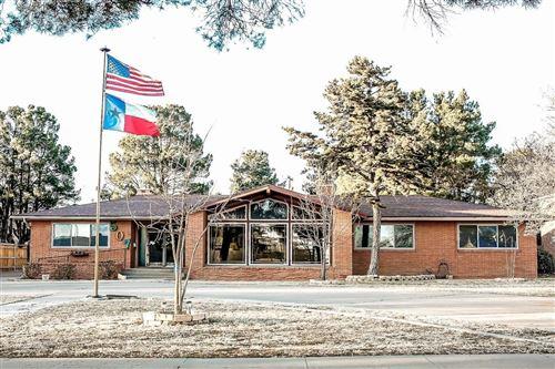 Photo of 507 Clubview Drive, Levelland, TX 79336 (MLS # 202008658)
