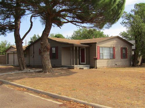 Photo of 113 12th Street, Levelland, TX 79336 (MLS # 202008681)