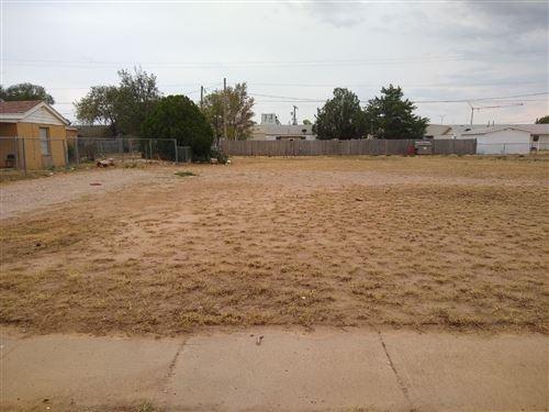 Photo of 508 E Rice Street, Lubbock, TX 79403 (MLS # 202008953)