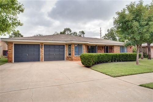 Photo of 7915 Vicksburg Avenue, Lubbock, TX 79424 (MLS # 202008981)