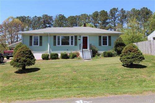 Photo of 393 Sunnydale Avenue, Appomattox, VA 24522 (MLS # 331025)