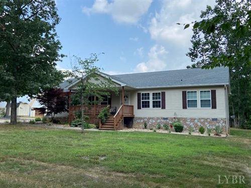 Photo of 8672 Holiday Lake Road, Appomattox, VA 24522 (MLS # 333077)