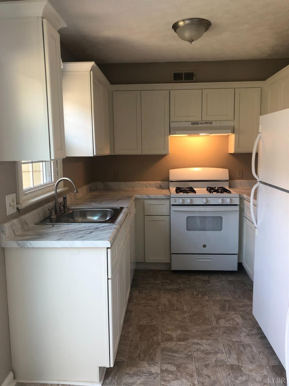 3501 Fort Ave Lynchburg Va 24501 Mls 328247 Listing Information Farmville Homes For Sale Prince Edward County Real Estate Va Real Living Real Estate