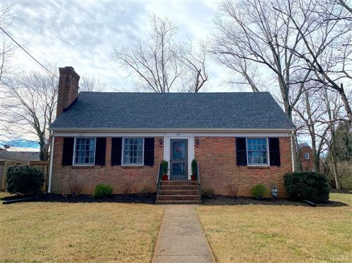 Photo of 1711 Rivermont Avenue, Lynchburg, VA 24503 (MLS # 329274)