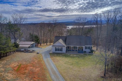Photo of 3472 Isle of Pines, Moneta, VA 24121 (MLS # 329307)