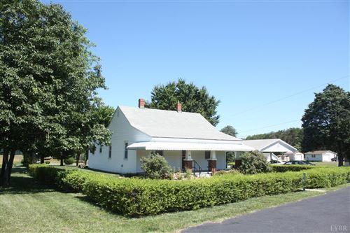 Photo of 121 W Haven Lane, Concord, VA 24538 (MLS # 332368)