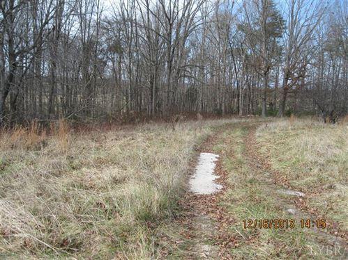 Photo of 1155 North Creek Road, Appomattox, VA 24522 (MLS # 282463)