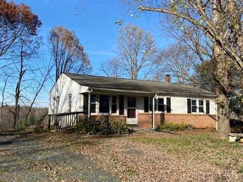Photo of 621 Eldon Road, Appomattox, VA 24522 (MLS # 328546)