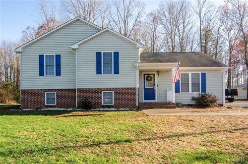 Photo of 518 Cornfield Lane, Appomattox, VA 24522 (MLS # 328574)