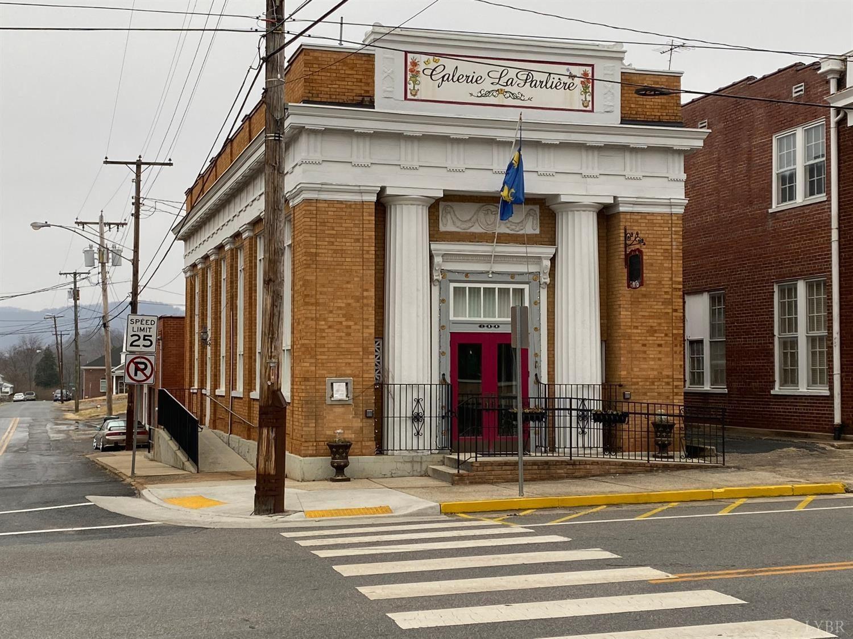 186 S Main Street, Amherst, VA 24521 - #: 329657