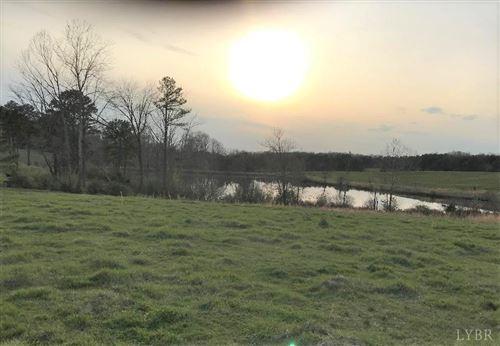 Photo of 417 Country Estates Road, Appomattox, VA 24522 (MLS # 328692)