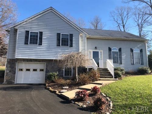 Photo of 215 Ivy west Drive, Forest, VA 24551 (MLS # 322732)