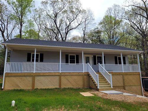 Photo of 3861 Horseshoe Road, Appomattox, VA 24522 (MLS # 330802)