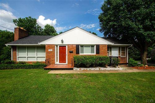 Photo of 704 Sherman Drive, Lynchburg, VA 24502 (MLS # 325839)