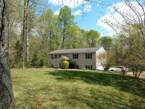 Photo of 466 Pendleton Drive, Amherst, VA 24521 (MLS # 330950)