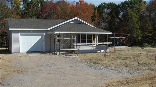 Photo of 2 Welchville Commons Road, Oxford, ME 04270 (MLS # 1501443)
