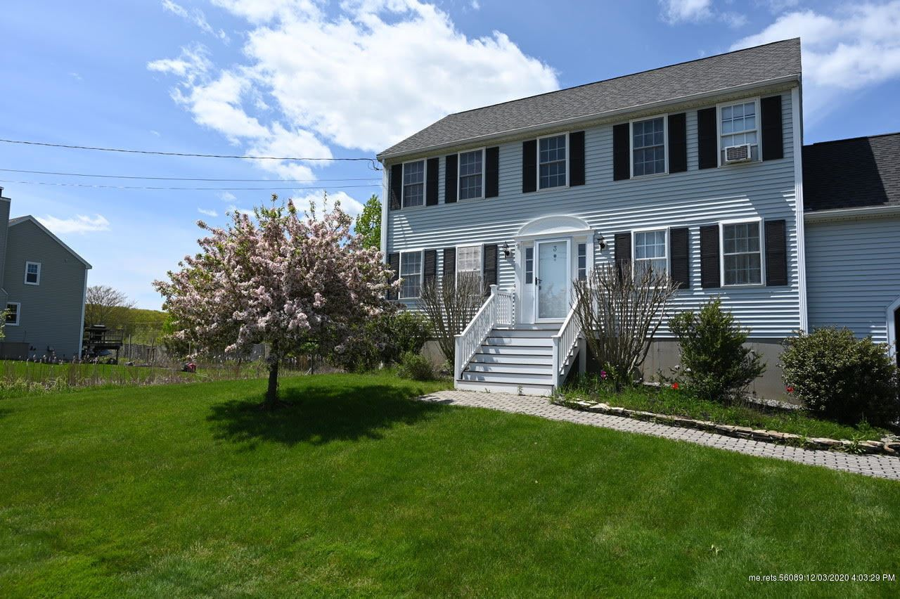 Photo of 3 Greenacre Drive, York, ME 03909 (MLS # 1476912)