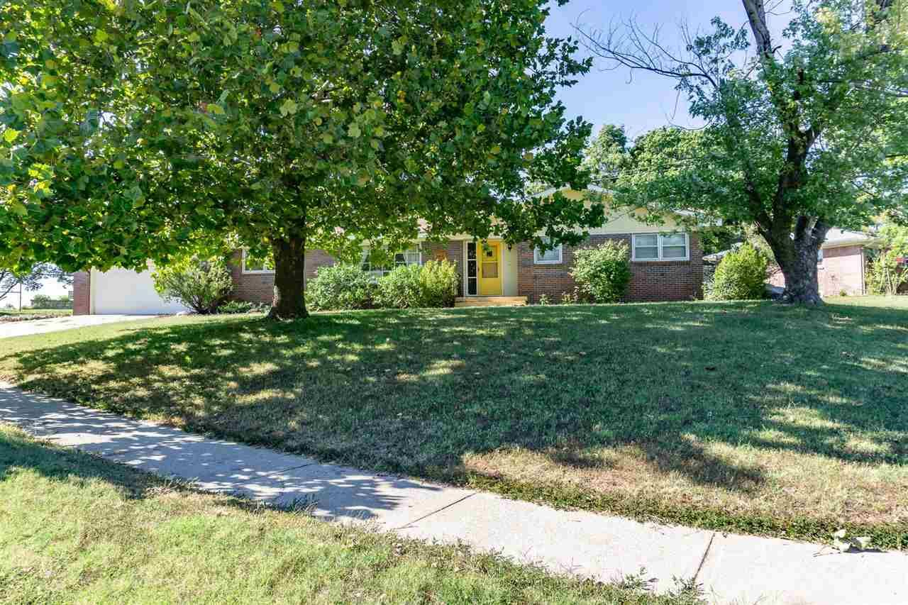 Photo of 602 Countryside Road, Junction City, KS 66441 (MLS # 20213083)