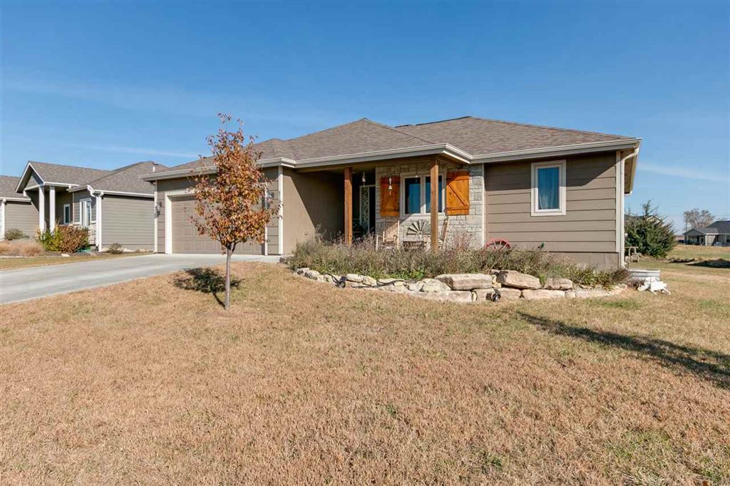 Photo of 8761 S Kelliann Way, Manhattan, KS 66502 (MLS # 20193096)