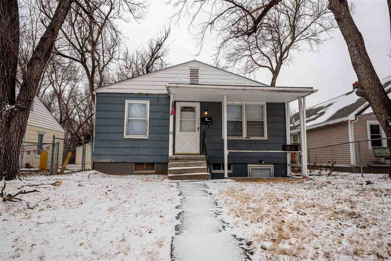 Photo of 830 W 9th, Junction City, KS 66441 (MLS # 20211122)