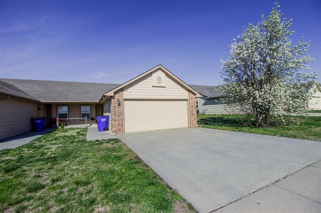 Photo of 1618 Hickory Lane, Junction City, KS 66441 (MLS # 20211145)