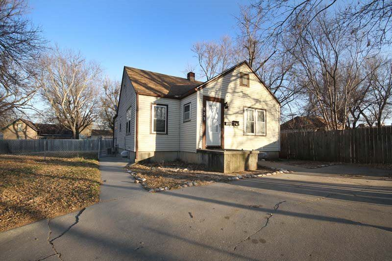 Photo of 823 Cleary Avenue, Junction City, KS 66441 (MLS # 20213200)