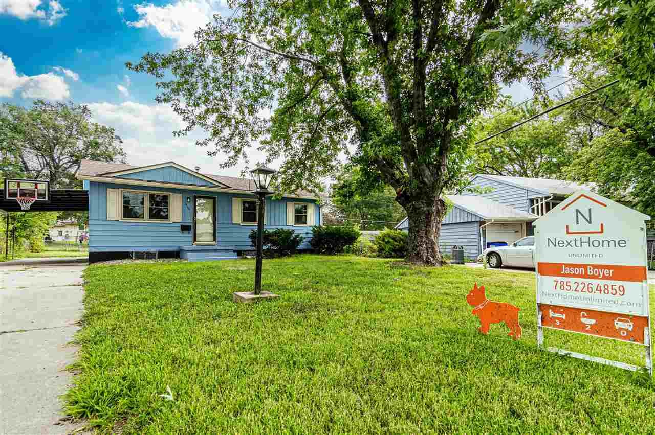 Photo of 1406 W 14th Street, Junction City, KS 66441 (MLS # 20211262)