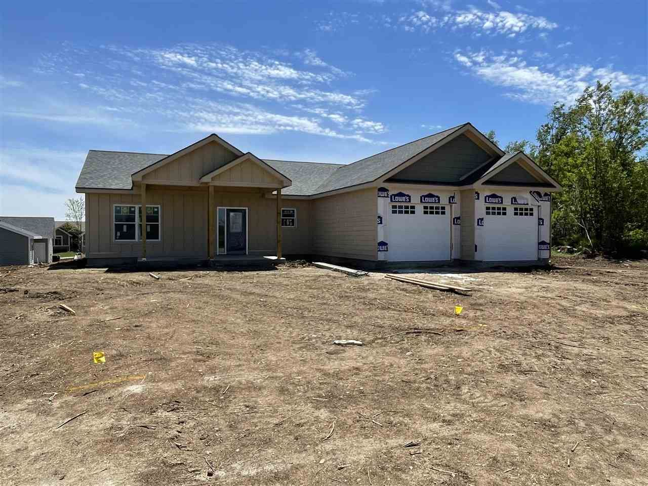 Photo of 1631 Saddle Drive, Junction City, KS 66441 (MLS # 20211358)