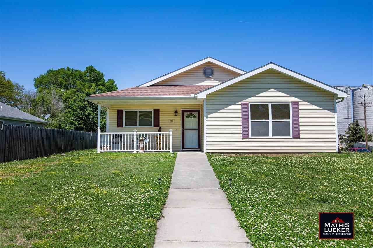 Photo of 236 E 12th Street, Junction City, KS 66441 (MLS # 20211362)