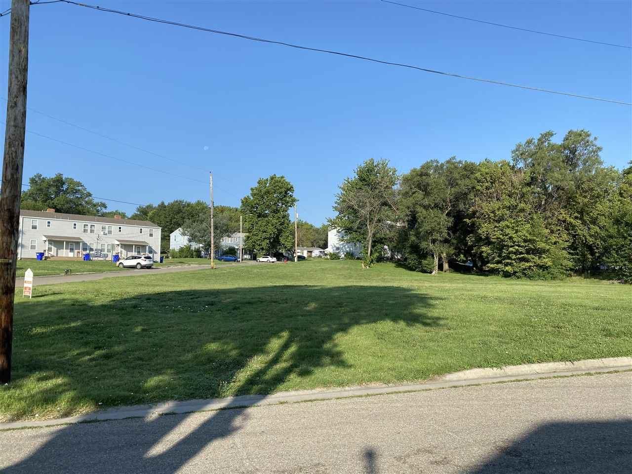 Photo of 728 W 1st Street, Junction City, KS 66441 (MLS # 20212434)