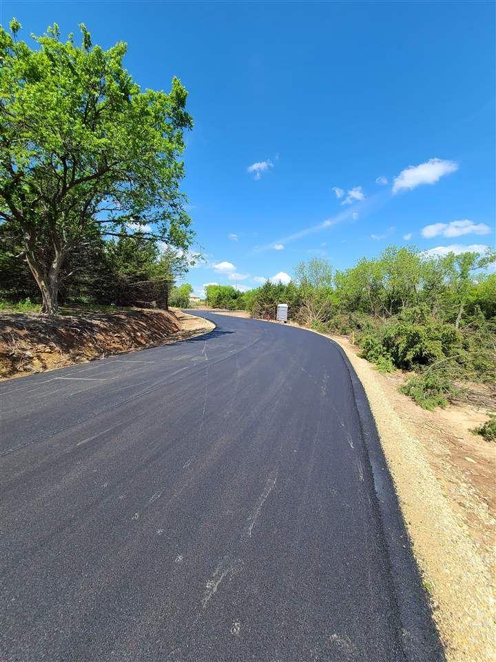 Photo of 1821 Limestone Lane, Junction City, KS 66441 (MLS # 20211452)