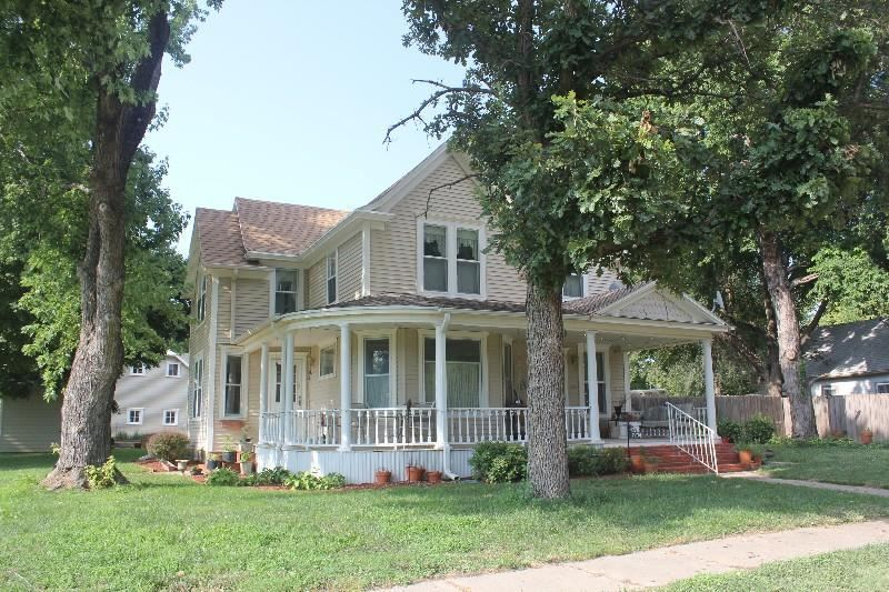 Photo of 203 Vincent Street, Clay Center, KS 67432 (MLS # 20212488)