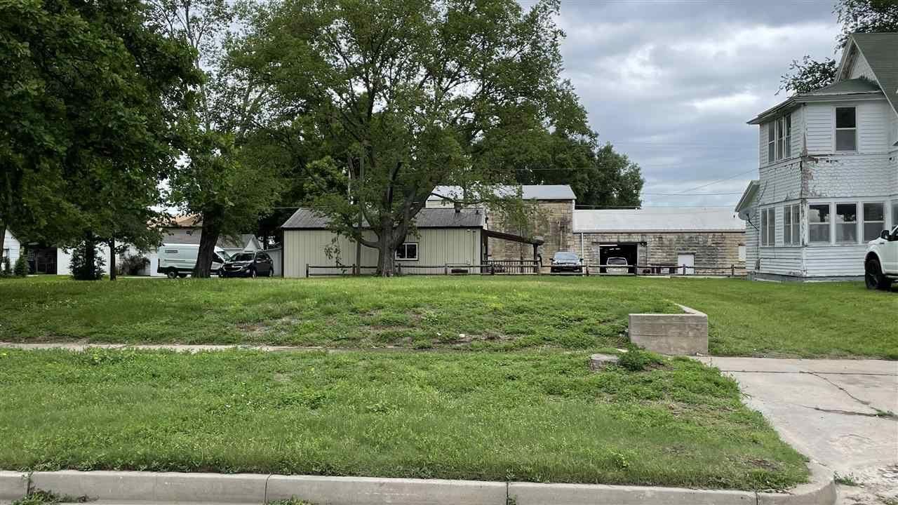 Photo of 104 W 1st Street, Junction City, KS 66441 (MLS # 20211657)