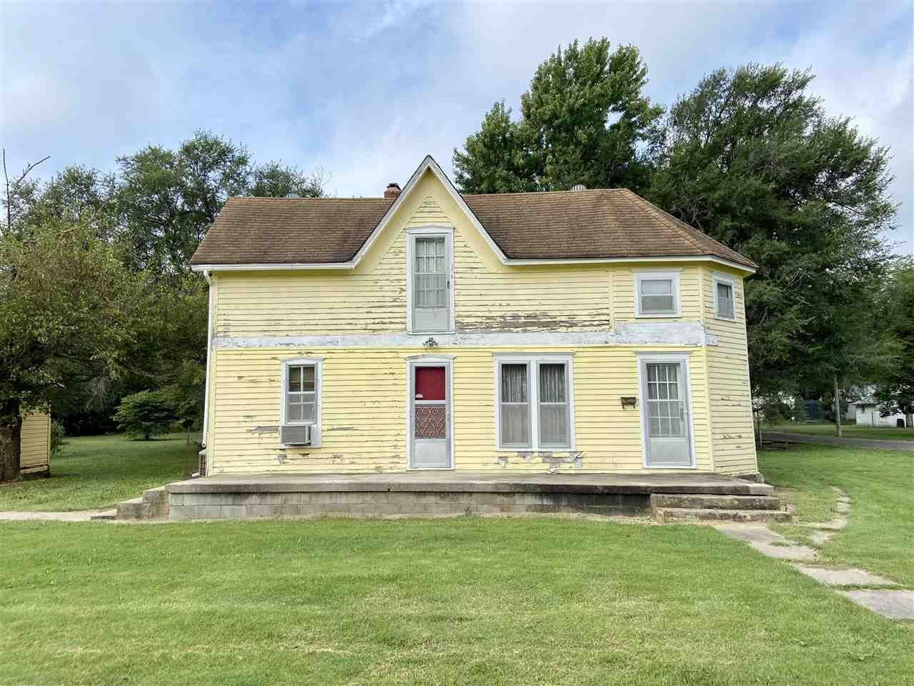 Photo of 37 McCardell Street, Council Grove, KS 66846 (MLS # 20212998)