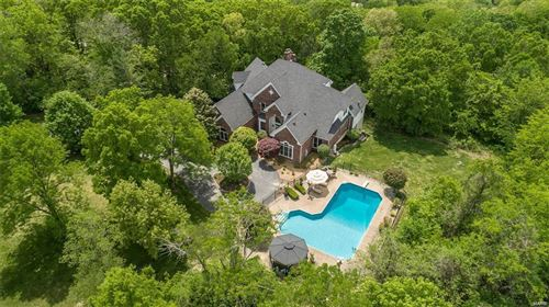 Photo of 19209 Saint Albans Forest Drive, Wildwood, MO 63038 (MLS # 21000014)