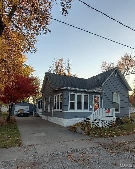 Photo for 310 West Kaskaskia Street, Pinckneyville, IL 62274 (MLS # 21010014)