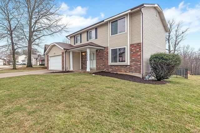 Photo for 12248 Turkey Creek Ct, Maryland Heights, MO 63043 (MLS # 20012020)