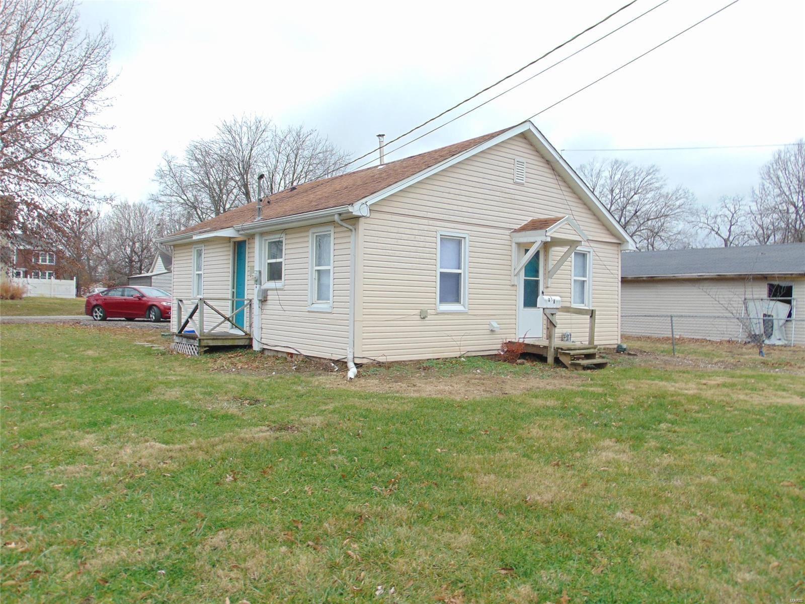 5 West Delmar, Alton, IL 62002 - MLS#: 20089026