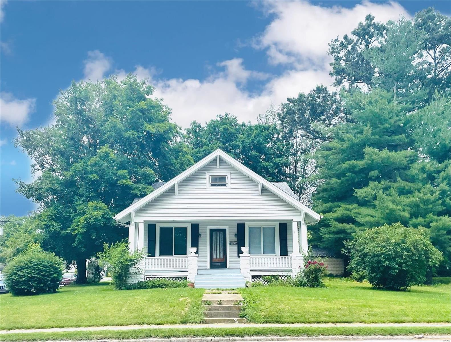 Photo for 577 South Mill Street, Nashville, IL 62263 (MLS # 21040060)