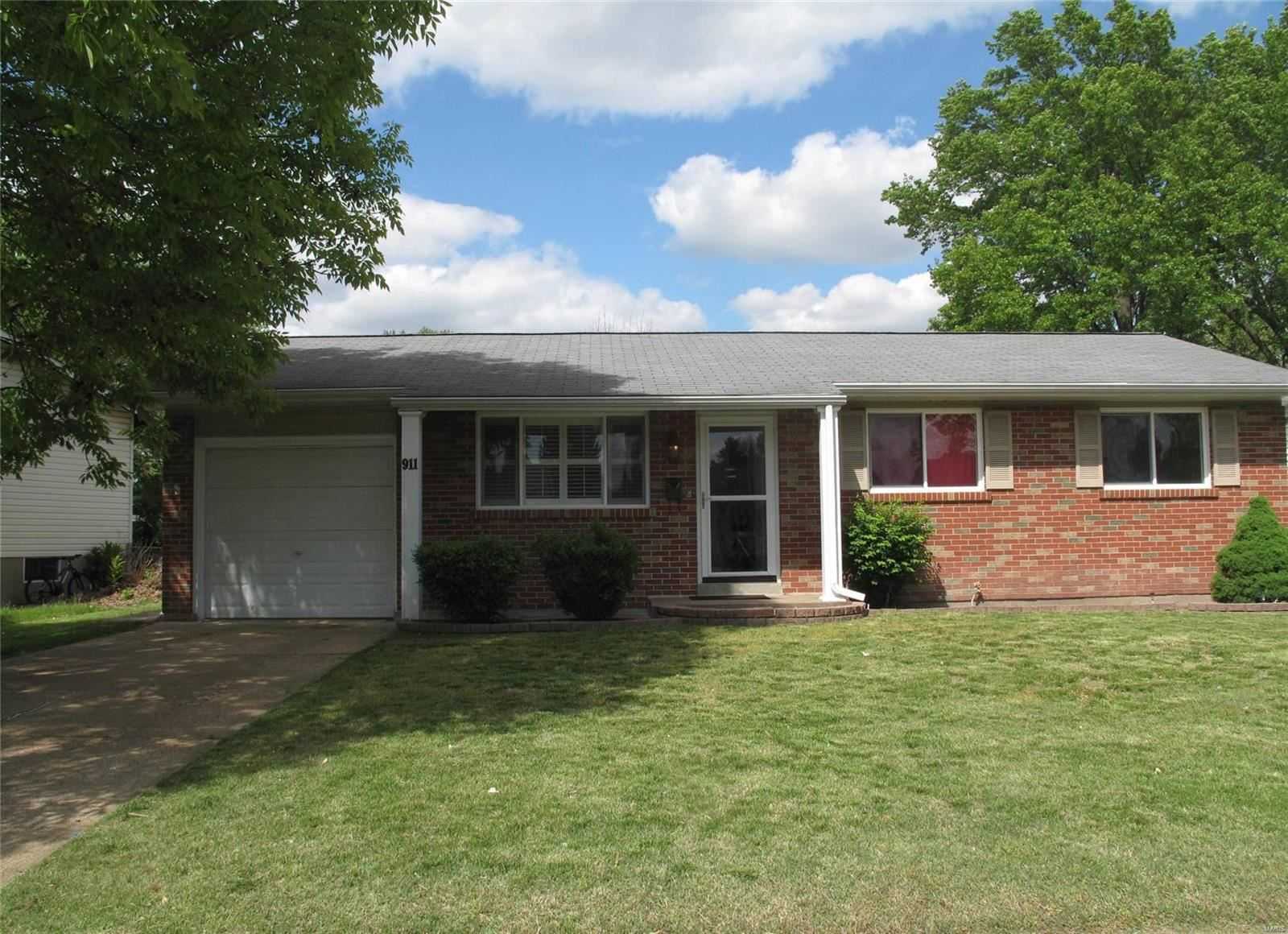 911 Hazelvalley Drive, Hazelwood, MO 63042 - MLS#: 20031070