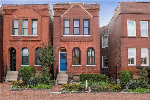 Photo of 1430 S 18th, St Louis, MO 63104 (MLS # 21073071)
