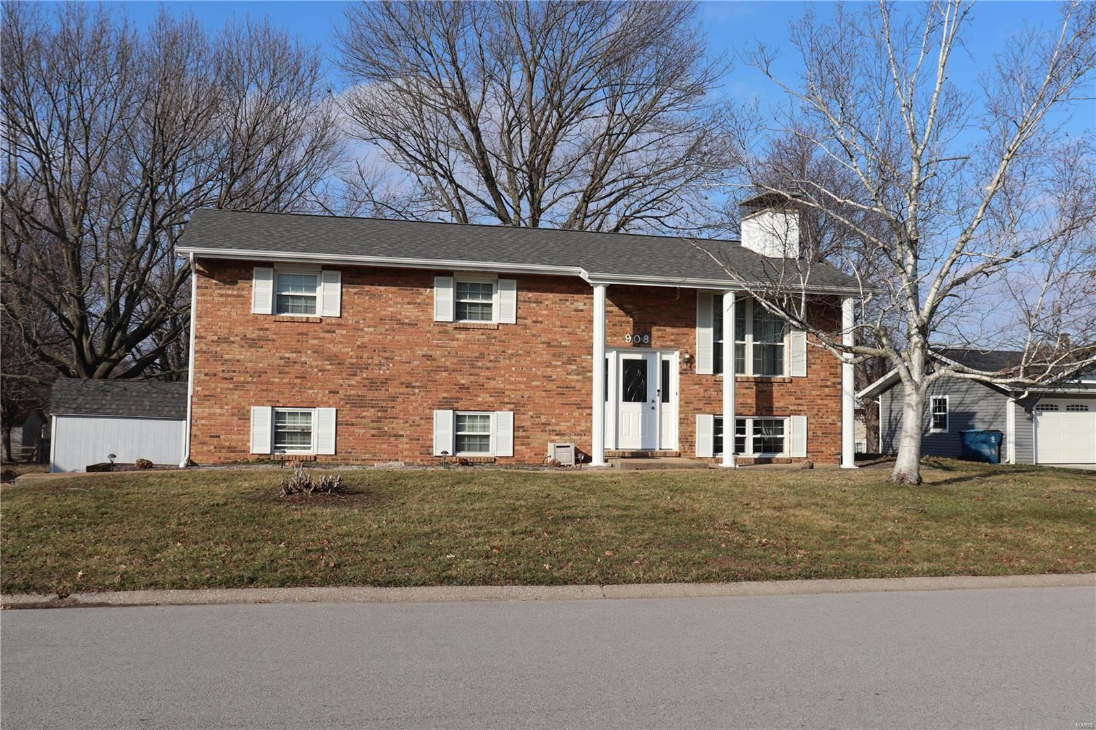 908 Long Branch Road, Troy, IL 62294 - MLS#: 20008078