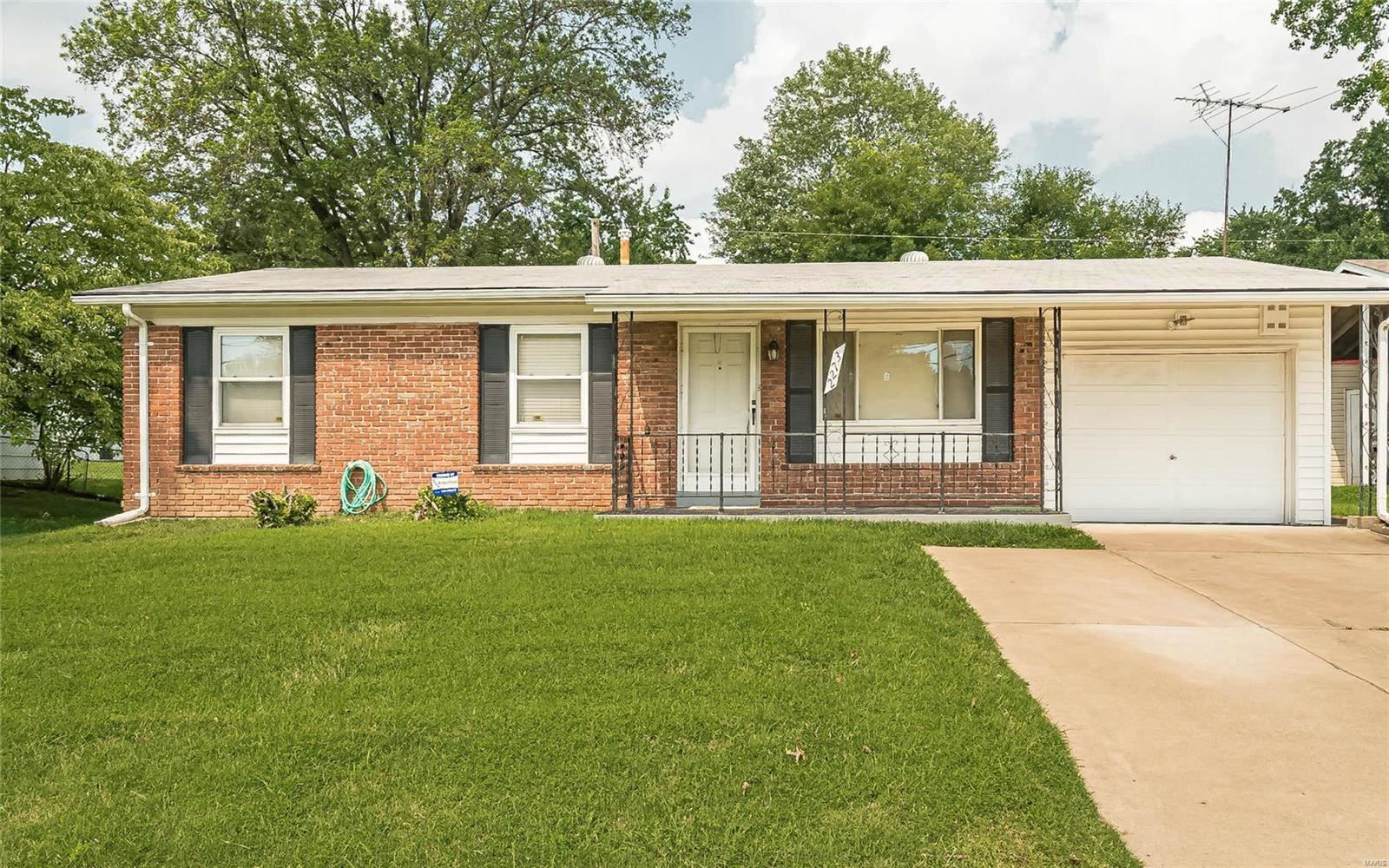 Photo for 2273 Mckelvey, Maryland Heights, MO 63043 (MLS # 21051112)