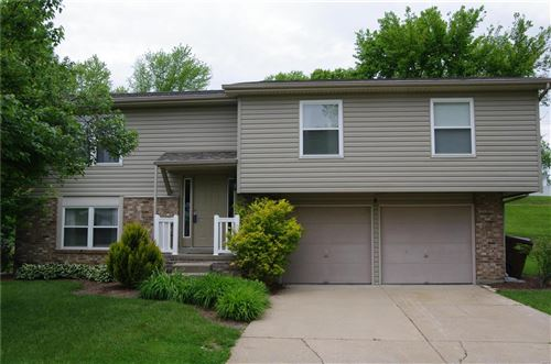 Photo of 8 Spring Wood, St Peters, MO 63376 (MLS # 21029113)