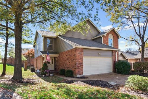 Photo of 723 Walnut Creek Lane, Town and Country, MO 63017 (MLS # 20084115)