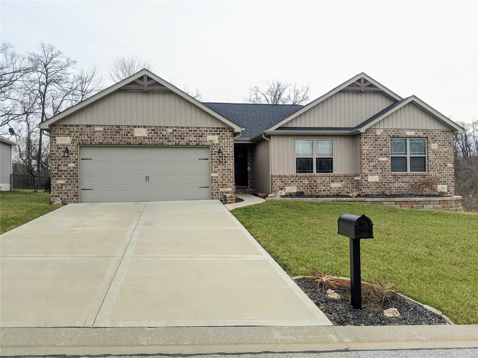 964 Half Moon Lane, Caseyville, IL 62232 - MLS#: 20000117