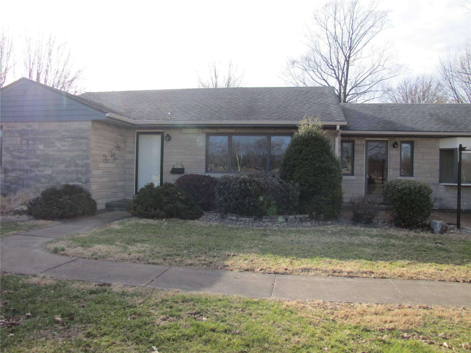 1616 Oak, Highland, IL 62249 - MLS#: 20016137