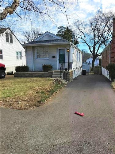 Photo of 7806 Genesta, St Louis, MO 63123 (MLS # 21012142)