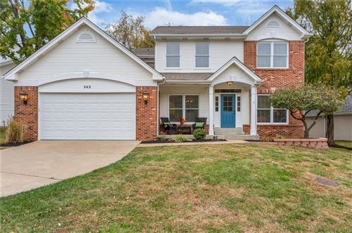 Photo of 342 Woodcliffe Place Drive, Chesterfield, MO 63005 (MLS # 20078145)